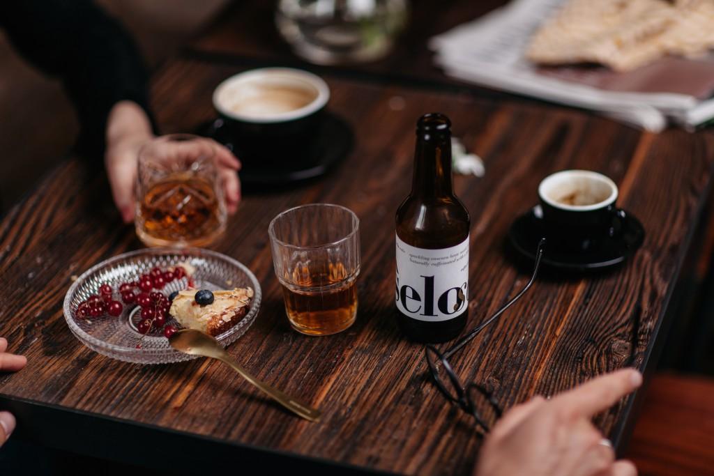 selosoda mit Kaffee und Kuchen
